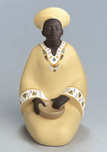 Woman & Pottery Sun Sum - Figurine