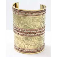Elephant Engrave Long Gold Cuff